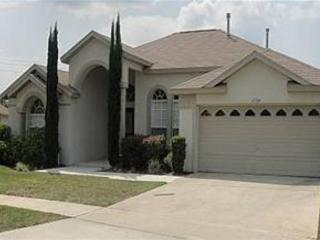 5 BED 4 BATH HOME WITH PRIVATE POOL & SPA - 3 MASTERS - Clermont vacation rentals