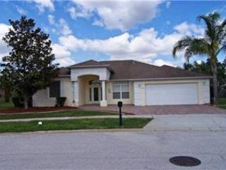 4 BED 3 BATH HOME WITH PRIVATE POOL, SPA, 2 MASTERS - IN GOLF COUNTRY CLUB - Davenport vacation rentals