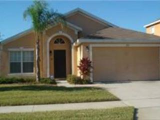 5 BED 3 BATH HOME WITH 2 MASTERS, PRIVATE POOL - BACKS TO CONSERVATION - Davenport vacation rentals