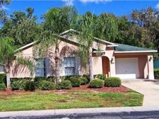 3 BED 3 BATH HOME WITH PRIVATE POOL & 2 MASTER SUITES - BACKS TO CONSERVATION - Davenport vacation rentals