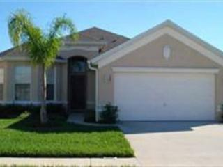 4 BED 3 BATH HOME WITH PRIVATE POOL AND SPA - IN GATED COMMUNITY - SLEEPS 10 - Davenport vacation rentals
