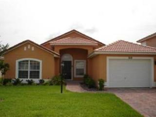 3 BED 2 BATH HOME WITH PRIVATE POOL - SLEEPS 8 - CLOSE TO DISNEY - Davenport vacation rentals