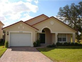 4 BED 3 BATH ORLANDO HOME WITH PRIVATE POOL - CLOSE TO DISNEY - Davenport vacation rentals