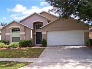 4 BED 3 BATH HOME WITH PRIVATE SCREENED POOL, 2 MASTERS, SLEEPS 10 - Kissimmee vacation rentals