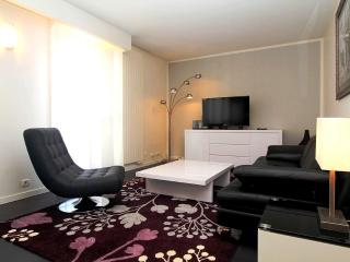 Modern 1BR in Place Des Vosges - Paris vacation rentals