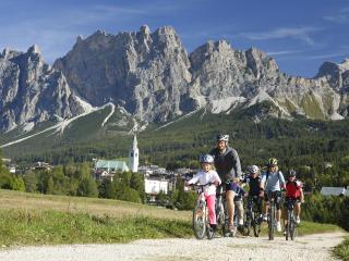 AMAZING FALL in Cortina! No Smoking quiet clean - Cortina D'Ampezzo vacation rentals