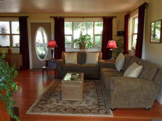 Vintage Farmhouse, Cottage & Tipi - July/Aug dates avail - Southern Oregon vacation rentals