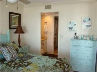 Gulf Front 2/Bedroom Vacation Rental.#501 - Image 1 - Fort Myers Beach - rentals