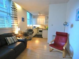 Rocco's favourite one bed in the City - London vacation rentals