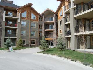 IW2219 - Invermere Lakefront Condos - Windermere Pointe - Cleland Bldg - Panorama vacation rentals