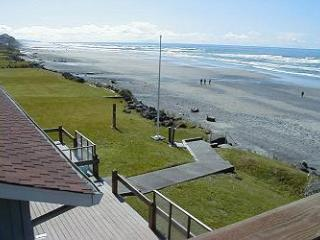 Sea Star South - Oceanfront  w/ Beach Steps - Lincoln City vacation rentals