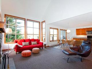 Modern Classic Blackcomb Greens - British Columbia Mountains vacation rentals