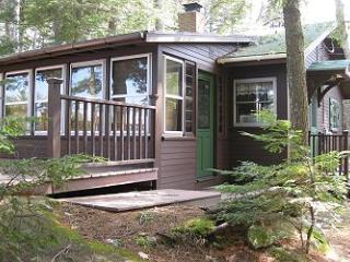 Newly Remodeled Cottage Vacation Rental on Lake Winnipesaukee (CAS89W) - Meredith vacation rentals
