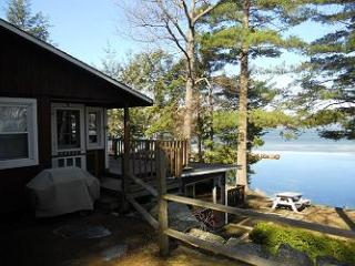 Waterfront Vacation Cottage in Weirs Beach (SHE9Wf) - Meredith vacation rentals