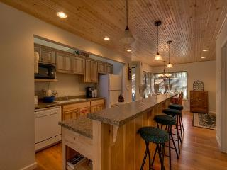 Close to the beach and pool (LV194) - Stateline vacation rentals