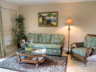 Beautiful remodeled condo in oceanfront complex! - Lahaina vacation rentals