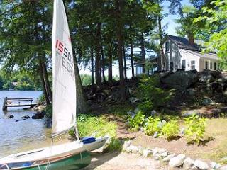 Private & Charming Waterfront Cottage on Lake Winnipesaukee (PRI26W) - Meredith vacation rentals
