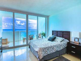 Stunning Apartment with OCEAN VIEW & BALCONY - Miami Beach vacation rentals