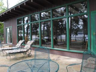 The Guntersville Getaway Lake Front Vacation Home - Guntersville vacation rentals