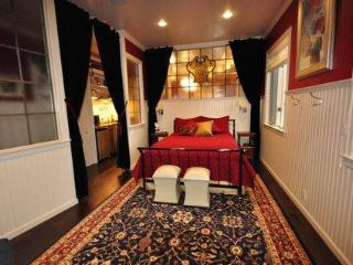 Exquisite Historic Suite walk to Downtown - Portland vacation rentals