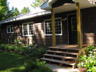 Hideaway in the U.P.! Pic Rocks,Hiking,Water Falls - Munising vacation rentals