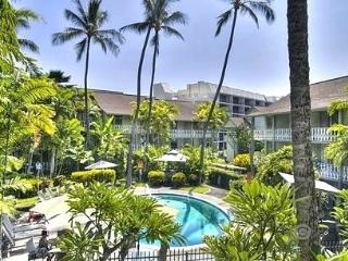 DEAL! Romantic Hawaiian Beach Condo Downtown Kona - Kailua-Kona vacation rentals