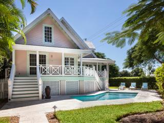 Old Naples' Royal Palm Cottage Walk to Everything - Naples vacation rentals