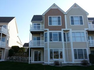 Harbor Village Condo, Beautifully Decorated - Manistee vacation rentals