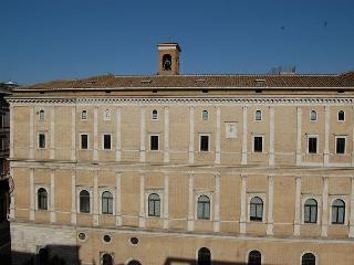 Cancelleria Luxury Two Bedroom Apartment - Rome vacation rentals