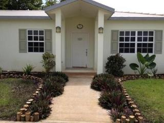 3 Bedroom 2 Bath Ranch Style Home Dunromin Home - Corozal vacation rentals