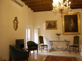 Spanish Steps Luxury Apartment Carrozze - Lazio vacation rentals