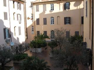 Spanish Steps Large Comfortable Apartment - Rome vacation rentals