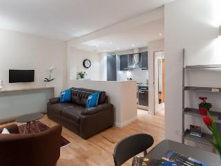 Edmonstone Close Apartment - Edinburgh vacation rentals