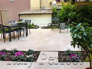 Urban Chic Rome Apartment with Garden -Tramonte - Rome vacation rentals