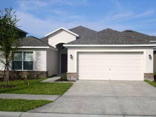 3 Bedroom + Den in Ruskin between Tampa & Sarasota - Ruskin vacation rentals