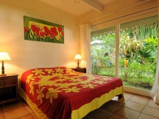 Villa Belle Epoque -TAHITI- beachfront near city - French Polynesia vacation rentals
