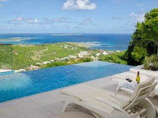 L'AGUA... fabulous 2 BR contemporary villa with breathtaking views - Terres Basses vacation rentals