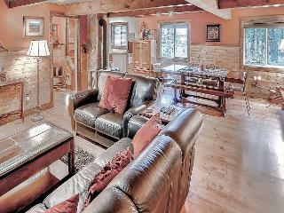 Relaxing Private Cabin w/ Hot Tub, Wi-Fi* Slps8 * Book 3 Get 4th Nt FREE!! - Cle Elum vacation rentals