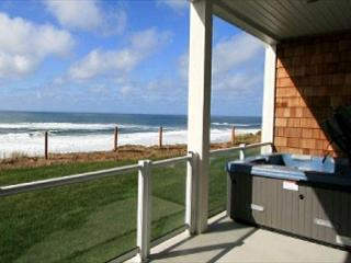 Whispering Waves Oceanfront Condo w/ Hot Tub - Lincoln City vacation rentals