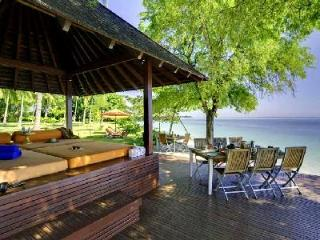 Beachside Haven -  Pool, Jacuzzi, Waterfall, Full Staff - Anandita - Lombok vacation rentals