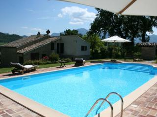 6 sleeps, private pool, air conditioning,Le Marche - Pergola vacation rentals