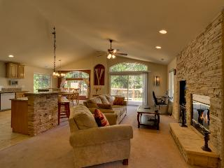 Cozy home with deck, BBQ and pool table - Tahoe Dream - Mountain Village vacation rentals