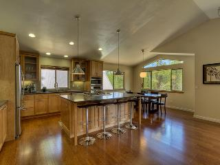 Spacious 4 bedroom mountain home bordering national forest  - Contemporary Tahoe Cabin - Mountain Village vacation rentals