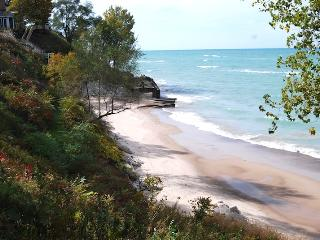 Kelly's Tee - Stevensville,MI - Southwest Michigan vacation rentals