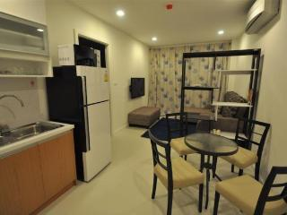 Condos for rent in Khao Takiab: C6018 - Bueng Sam Phan vacation rentals