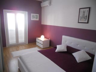 1 bedroom apt - above the beach-terrace sea view - Southern Dalmatia Islands vacation rentals