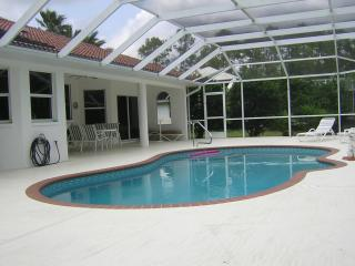 Charming New quiet vacation Home Pool WIFI Ect.. - Lehigh Acres vacation rentals