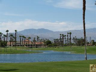 On the golf Course * Tennis Anyone?   BOOK now for Christmas 2014 & New Years getaway! - Palm Desert vacation rentals