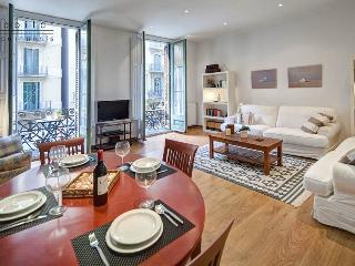 Bruc Terrace, Apartment with terrace in safe area - Barcelona vacation rentals