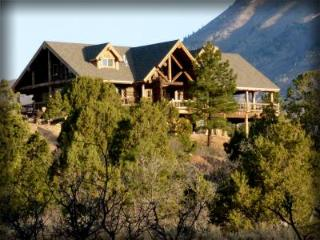 Majestic 5 bedroom Lodge - Family Reunion Heaven! - Monticello vacation rentals